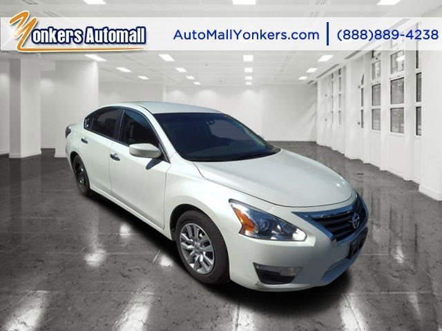 2014 Nissan Altima 25 S Pearl WhiteCharcoal V4 25 L Variable 16289 miles  Alloy Wheels  Blu