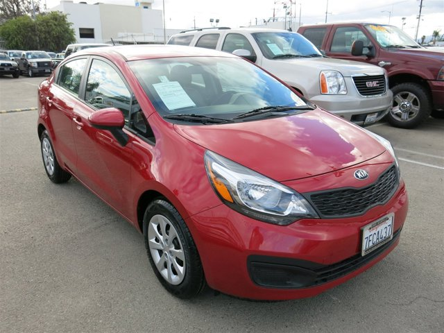 2014 Kia Rio Signal Red V4 16 L  35273 miles Choose from our wide range of over 500 repossess