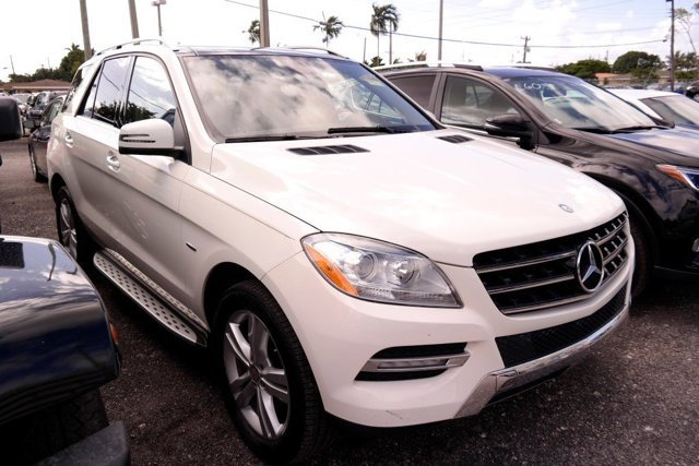 2012 Mercedes M-Class ML350 Arctic WhiteAlmond Beige V6 35L Automatic 87477 miles GUARANTEED