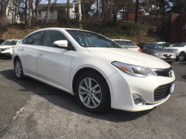 2013 Toyota Avalon Limited Blizzard PearlBlack V6 35L Automatic 45026 miles 1 owner clean ca