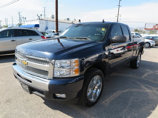 2011 Chevrolet Silverado 1500 LT Blue V8 53L Automatic 55888 miles Deal PendingChoose from