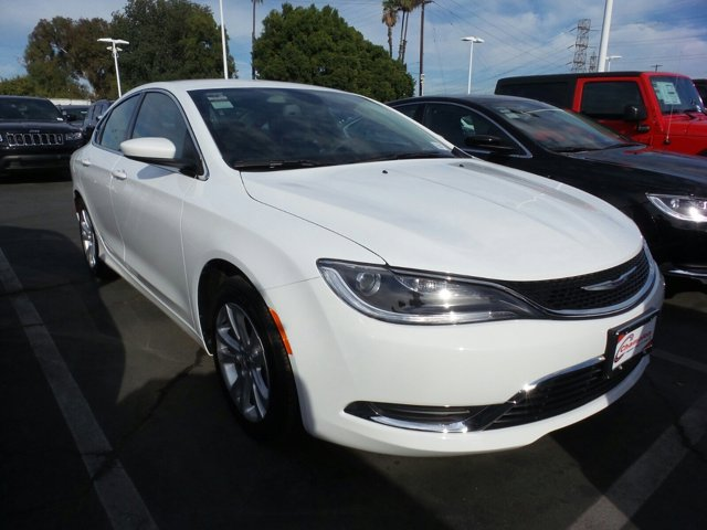 2016 Chrysler 200 Limited Bright WhiteCLOTH V4 24 L Automatic 8 miles  Front Wheel Drive  Po
