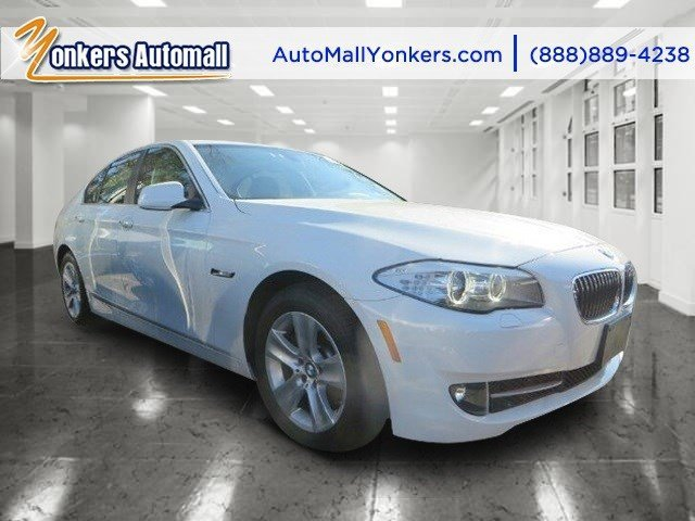 2013 BMW 5 Series 528i xDrive wNavigation Alpine WhiteBlack V4 20L Automatic 39334 miles AWD