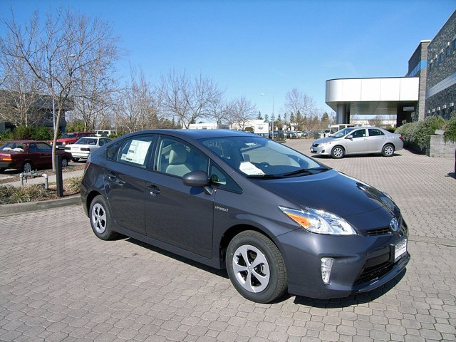 2014 Toyota Prius Two Winter Gray Metallic V4 18 L Variable 0 miles  99  Front Wheel Drive