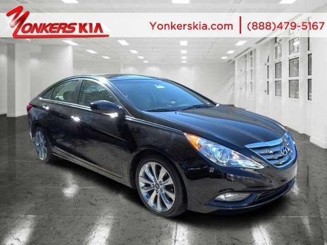 2011 Hyundai Sonata Ltd Phantom Black MetallicBlack V4 24L Automatic 18031 miles Leather seat