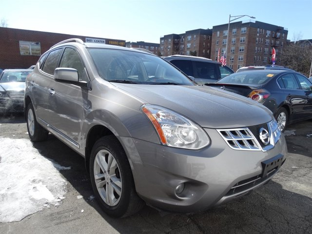 2012 Nissan Rogue SV Brilliant SilverGray V4 25L Variable 27607 miles 2012 Nissan Rogue SV wit