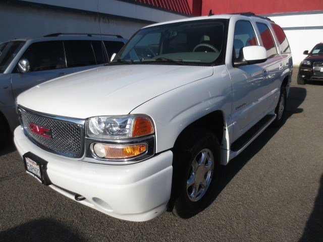 2006 GMC Yukon Denali Summit WhiteSandstone V8 60L Automatic 98787 miles LOCAL CAR LOADED UP
