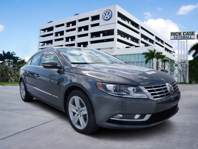 2016 Volkswagen CC Sport GrayBlack V4 20 L Automatic 16 miles The Volkswagen CC is known for