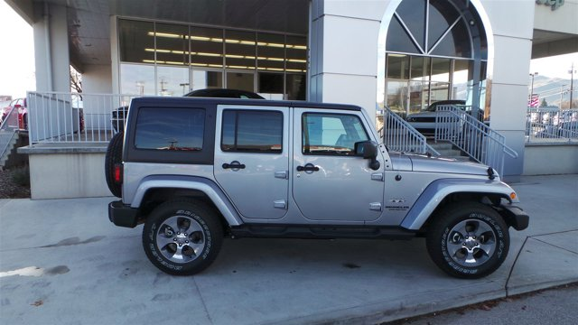 2017 Jeep Wrangler Unlimited Sahara PSC BILLET SILVBlack V6 36 L Manual 1 miles  BILLET SILVE