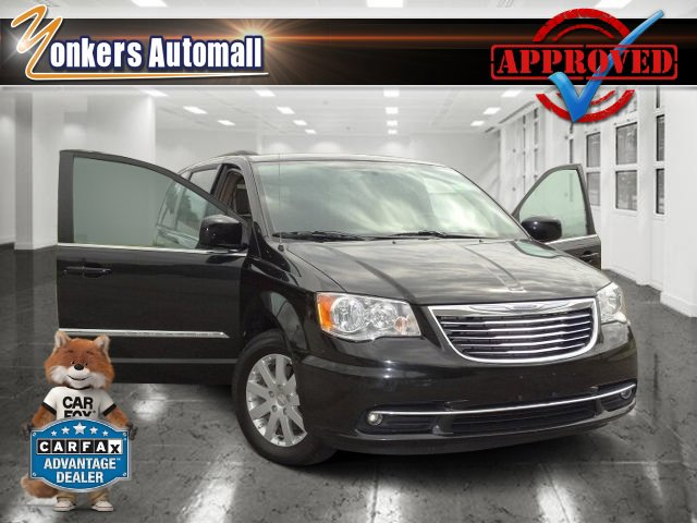 2014 Chrysler Town  Country Touring Brilliant Black Crystal PearlcoatDk Frost BeigeMed Beige V