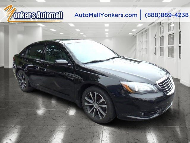 2013 Chrysler 200 Limited BlackBlack V6 36L Automatic 48373 miles Sophisticated smart and s