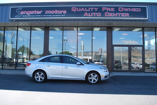 2016 Chevrolet Cruze Limited LT Silver Ice MetallicJet Black V4 14L Automatic 19013 miles  TR