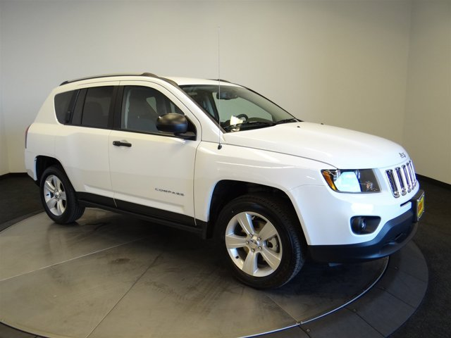 2017 Jeep Compass Sport Bright White ClearcoatC7dv V4 20 L Variable 4 miles You wont want to