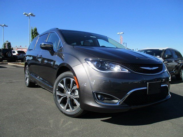 2017 Chrysler Pacifica Limited GRANITE CRYSTAL V6 36 L Automatic 154 miles  Front Wheel Drive