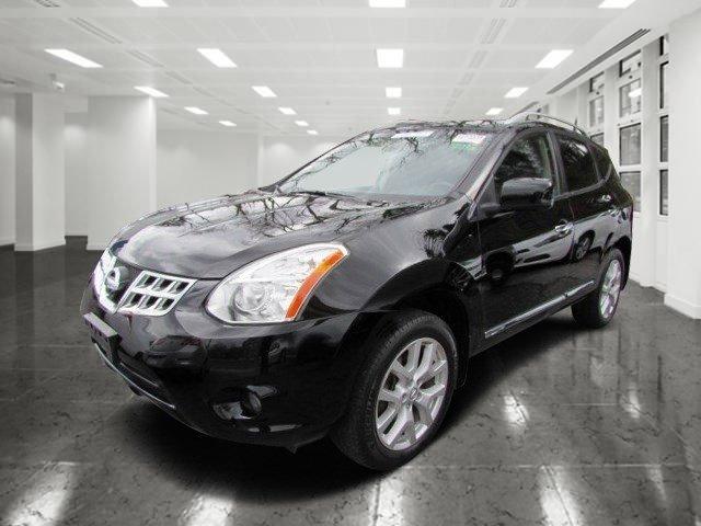 2013 Nissan Rogue SL Super BlackBlack V4 25L Variable 42502 miles  Rearview Camera  Moonroof