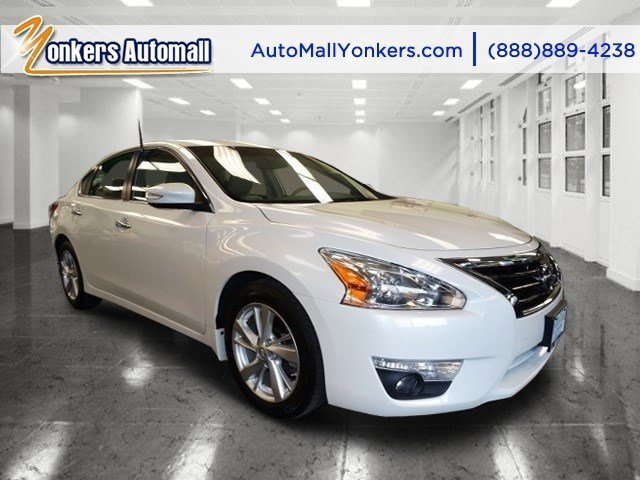 2013 Nissan Altima 25 SL Pearl WhiteBeige V4 25L Automatic 21128 miles 1 owner clean carfax