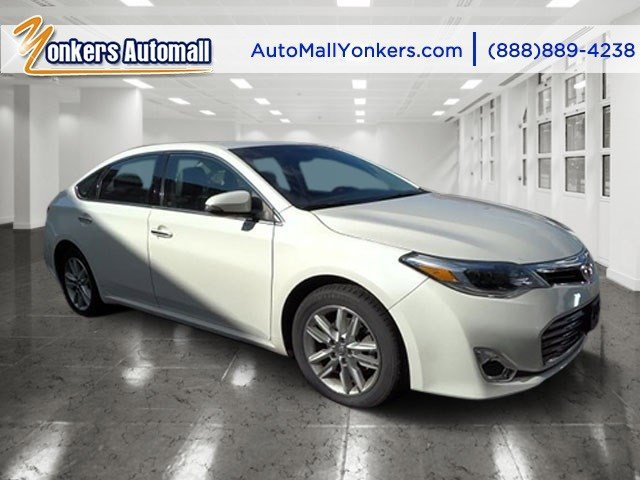 2013 Toyota Avalon XLE Blizzard PearlBlack V6 35L Automatic 36569 miles 1 owner clean carfax