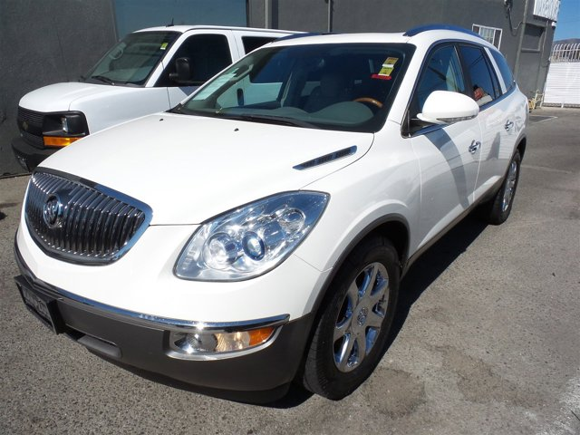 2008 Buick Enclave CXL White OpalWHITE V6 36L Automatic 98671 miles Choose from our wide rang