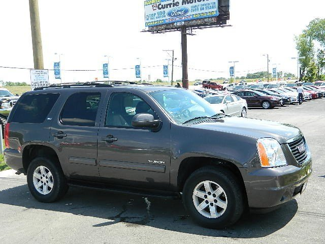 2010 GMC Yukon SLT Carbon Black MetallicEbony V8 53L Automatic 54732 miles PRICED BELOW MARKET