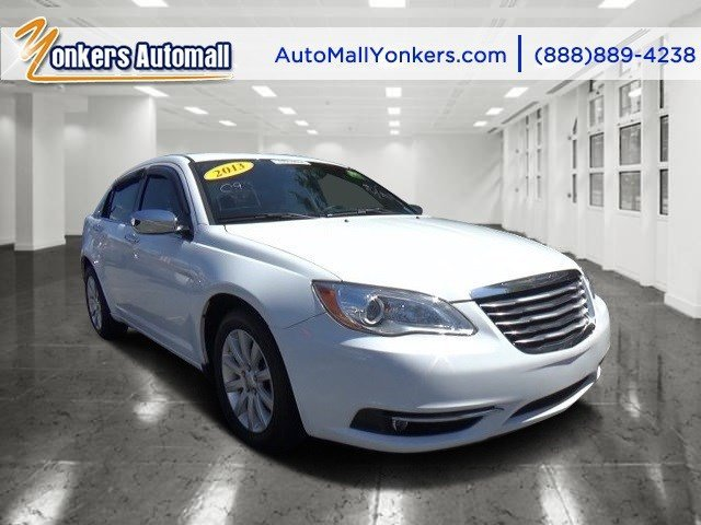 2013 Chrysler 200 Limited Bright WhiteBlackLight Frost Beige V6 36L Automatic 36347 miles 1