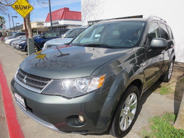 2008 Mitsubishi Outlander XLS Manitoba Green V6 30L Automatic 118593 miles 1-OWNER LOCAL CAR