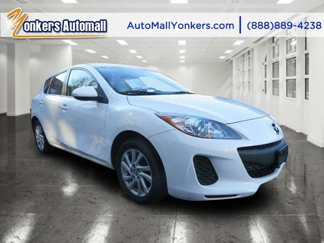 2013 Mazda Mazda3 i Touring  V4 20L Automatic 26395 miles Blending style and comfort this 201