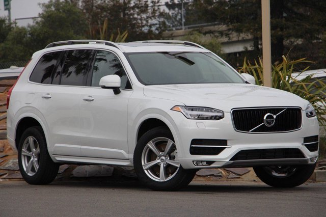 2017 Volvo XC90 Momentum CRYSTAL WHITECharcoal V4 20 L Automatic 10 miles Boasts 26 Highway M
