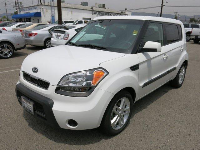 2011 Kia Soul White V4 20L  115894 miles Choose from our wide range of over 500 repossessed v