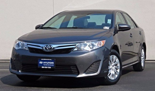 2014 Toyota Camry LE GRAYGray V4 25 L Automatic 44081 miles  Front Wheel Drive  Power Steeri