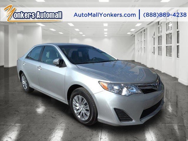 2014 Toyota Camry LE Classic Silver MetallicGray V4 25 L Automatic 39133 miles Yonkers Auto Ma