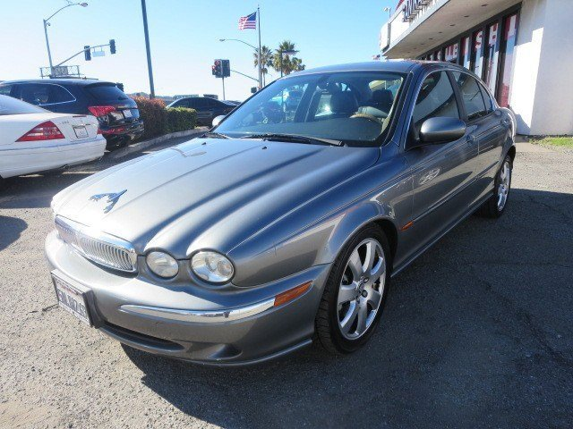 2005 Jaguar X-TYPE 30L PlatinumCharcoalCarbon V6 30L Automatic 102424 miles LOCAL TRADE Thi