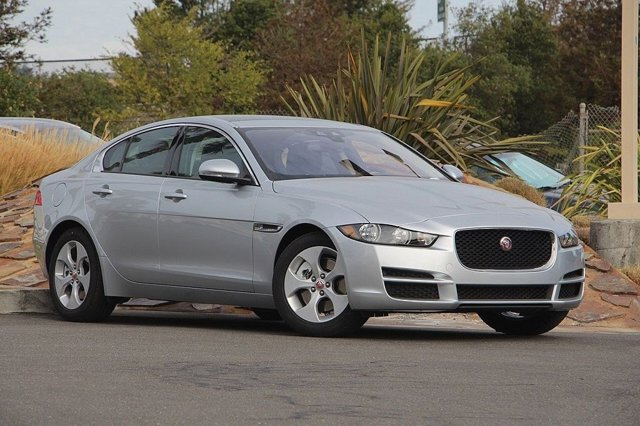2017 Jaguar XE 25t RHODIUM SILVERJET V4 20 L Automatic 700 miles Jaguar VIP Comes with 5 yea
