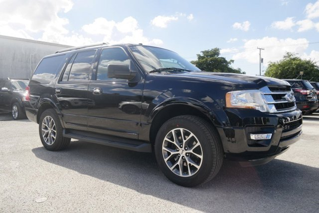 2017 Ford Expedition XLT Shadow BlackEbony V6 35 L Automatic 9 miles 2017 Ford Expedition XLT