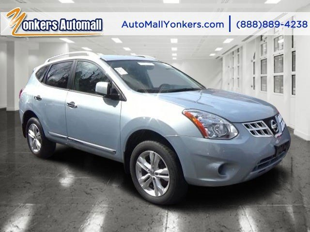 2013 Nissan Rogue SV Frosted SteelBlack V4 25L Automatic 48125 miles Grand and graceful this