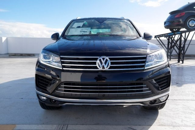 2017 Volkswagen Touareg Executive BlackBe V6 36 L Automatic 10 miles The 2017 Volkswagen Toua