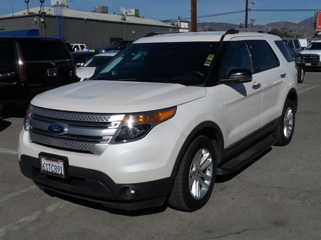 2011 Ford Explorer XLT White SuedeWHITE V6 35L Automatic 84896 miles Choose from our wide ran