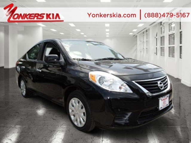 2012 Nissan Versa SV Super BlackCharcoal V4 16L Automatic 62140 miles Clean carfax Yonkers
