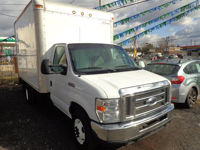 2008 Ford Econoline Commercial Cutaway Oxford WhiteMedium Flint V8 60L Automatic 107990 miles