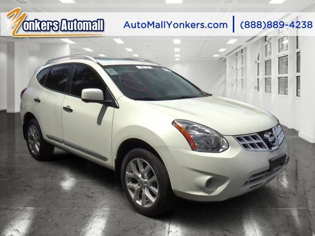2013 Nissan Rogue SL Pearl WhiteBlack V4 25L Automatic 40645 miles SL with Navigation NAV