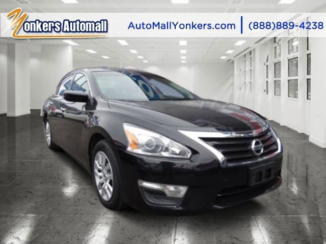 2013 Nissan Altima 25 Super BlackCharcoal V4 25L Automatic 42880 miles  Keyless Start  Front