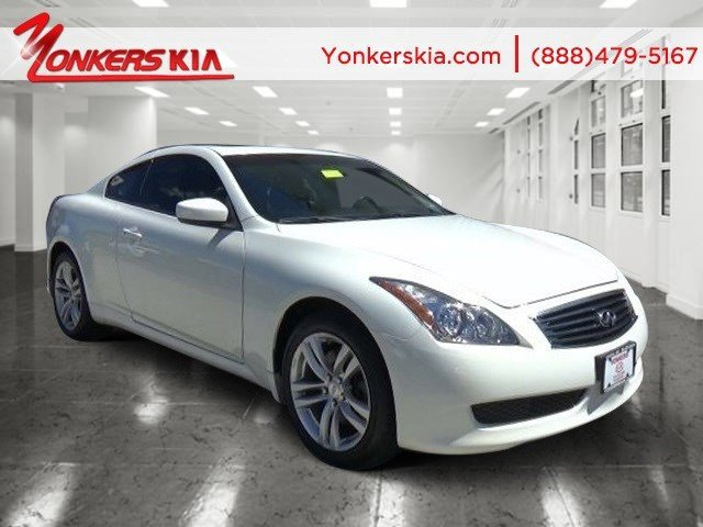 2010 Infiniti G37 Coupe x Moonlight WhiteGraphite V6 37L Automatic 89615 miles Lavishly luxur