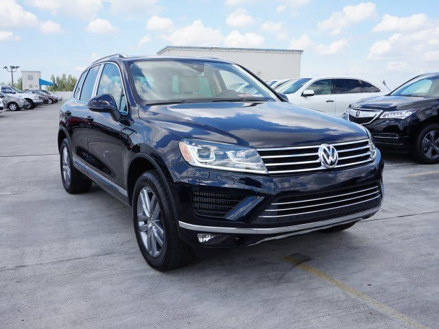 2016 Volkswagen Touareg Lux Moonlight Blue PearlJZ V6 30 L Automatic 40 miles The Volkswagen