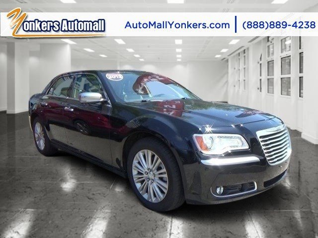 2013 Chrysler 300 Luxury Series Gloss BlackDark Frost BeigeLight Frost Beige V8 57L Automatic