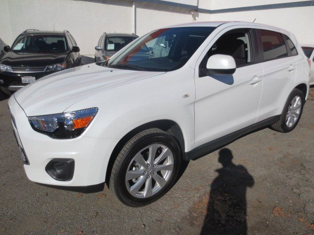 2013 Mitsubishi Outlander Sport ES White PearlBlack V4 20L Automatic 5 miles The 2013 Mitsubis