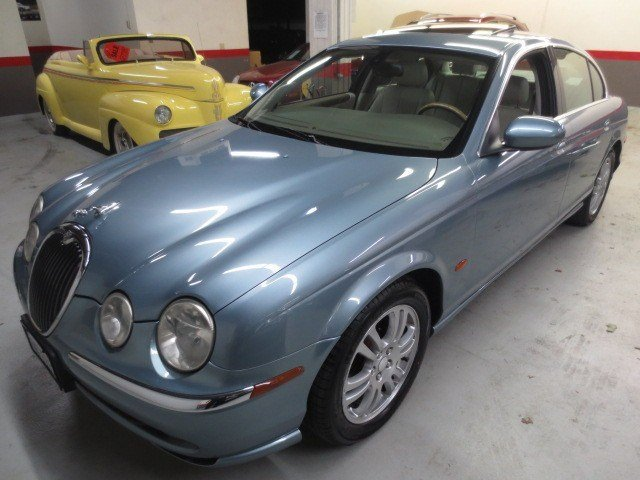 2004 Jaguar S-TYPE ZirconSand V8 42L Automatic 69696 miles This 2004 Jaguar S-Type is Clean I