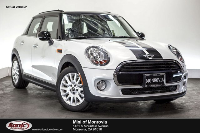 2016 MINI Cooper Hardtop 4 Door 4dr HB White Silver MetallicCarbon Black V3 15 L Automatic 0 m