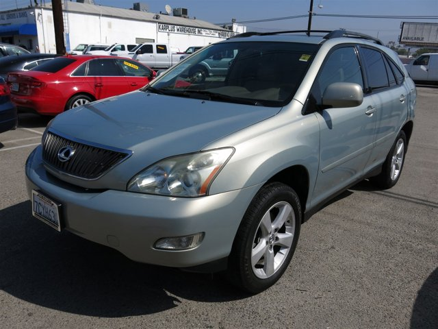 2005 Lexus RX 330 Silver V6 33L Automatic 108368 miles Choose from our wide range of over 500