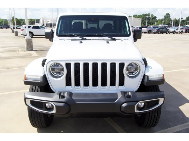 2020 Jeep Gladiator Overland Bright White ClearcoatBlack V6 36 L Automatic 9 miles Dealer Disc