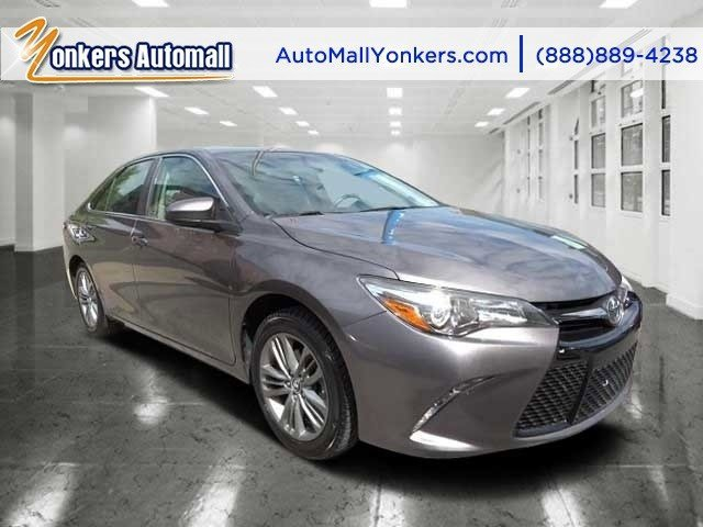 2015 Toyota Camry SE Cosmic Gray MicaAshBlack V4 25 L Automatic 33985 miles Elegantly expres