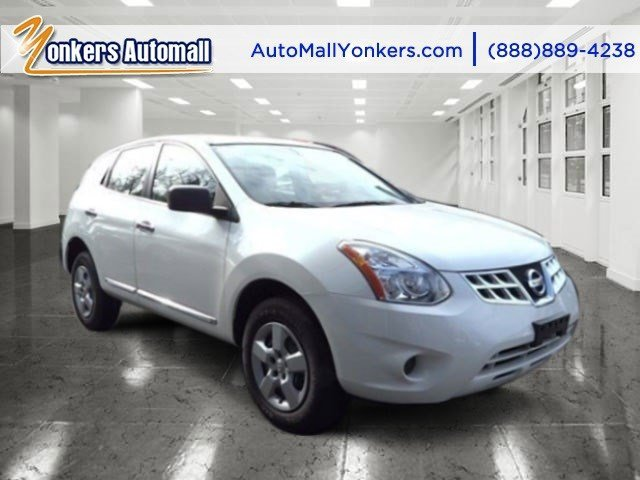 2013 Nissan Rogue S Pearl WhiteBlack V4 25L Automatic 30677 miles  All Wheel Drive  Power Ste